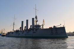 """Легендарный крейсер """"Аврора"""" покинул Северную Пальмиру (ФОТО)"""