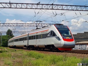"""В день выборов будет возобновлено движение """"скоростных"""" поездов из Киева в Одессу"""
