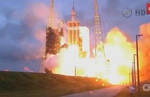 США запустили пилотируемый космический корабль марсианской программы, но без людей (ВИДЕО)