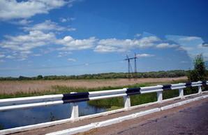 Одна из двух дорог в Бессарабию закрыта: рухнул мост (ФОТО)