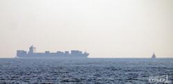 В Одесском порту углубляют морское дно (ФОТО)