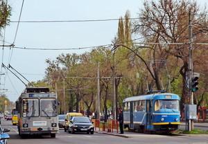 Летом проезд в одесских трамваях и троллейбусах будет стоить 2 гривны