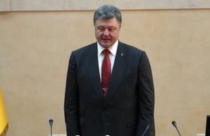 Порошенко рассматривает петицию о введении в Одесском порту режима свободной экономической зоны