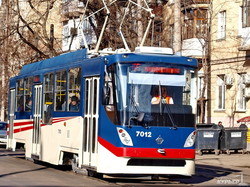 Впервые на одесских маршрутах появился трамвай, приспособленный для инвалидов (ФОТО)