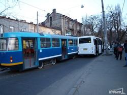 Пустяковая авария задержала движение одесских трамваев больше чем на час (ФОТО)