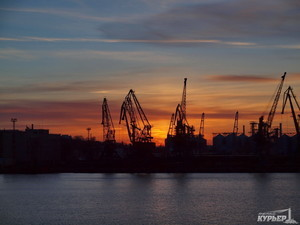 Омелян намерен отдать крупные порты в концессию, а малые просто продать