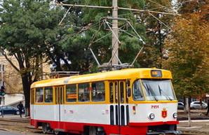 Из-за ДТП в центре Одессы временно остановлено движение четырех трамвайных маршрутов