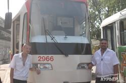 Новый одесский трамвай начал работу на городских маршрутах (ФОТО)
