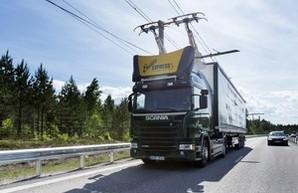В Швеции испытывают трассу для электрогрузовиков