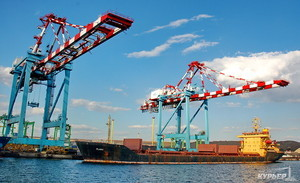 Порт Южный за полгода переработал более 20 миллионов тонн грузов