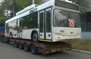 В Мариуполь привезли первый троллейбус, купленный за средства Евросоюза
