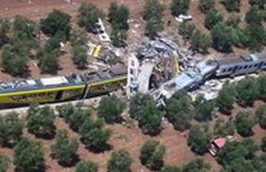 В Италии произошло столкновение двух пассажирских поездов (ФОТО)