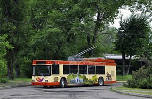 В Кривом Роге запустили троллейбус с автономным ходом на дизель-генераторе (ФОТО)