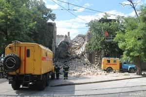 В результате обрушения дома в центре Одессы изменился маршрут трамвая