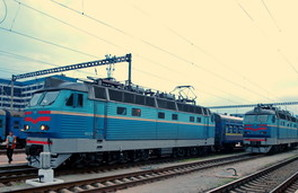Украинским железнодорожникам на четверть повышают зарплаты