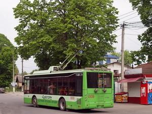 """В Хмельницкий поступают три троллейбуса """"Богдан"""" по мартовскому тендеру"""