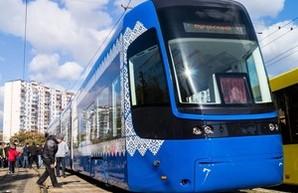 В Киеве на маршрут вышел трамвай с Wi-Fi и кондиционером