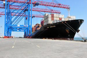 Мировой рынок контейнерных перевозок падает