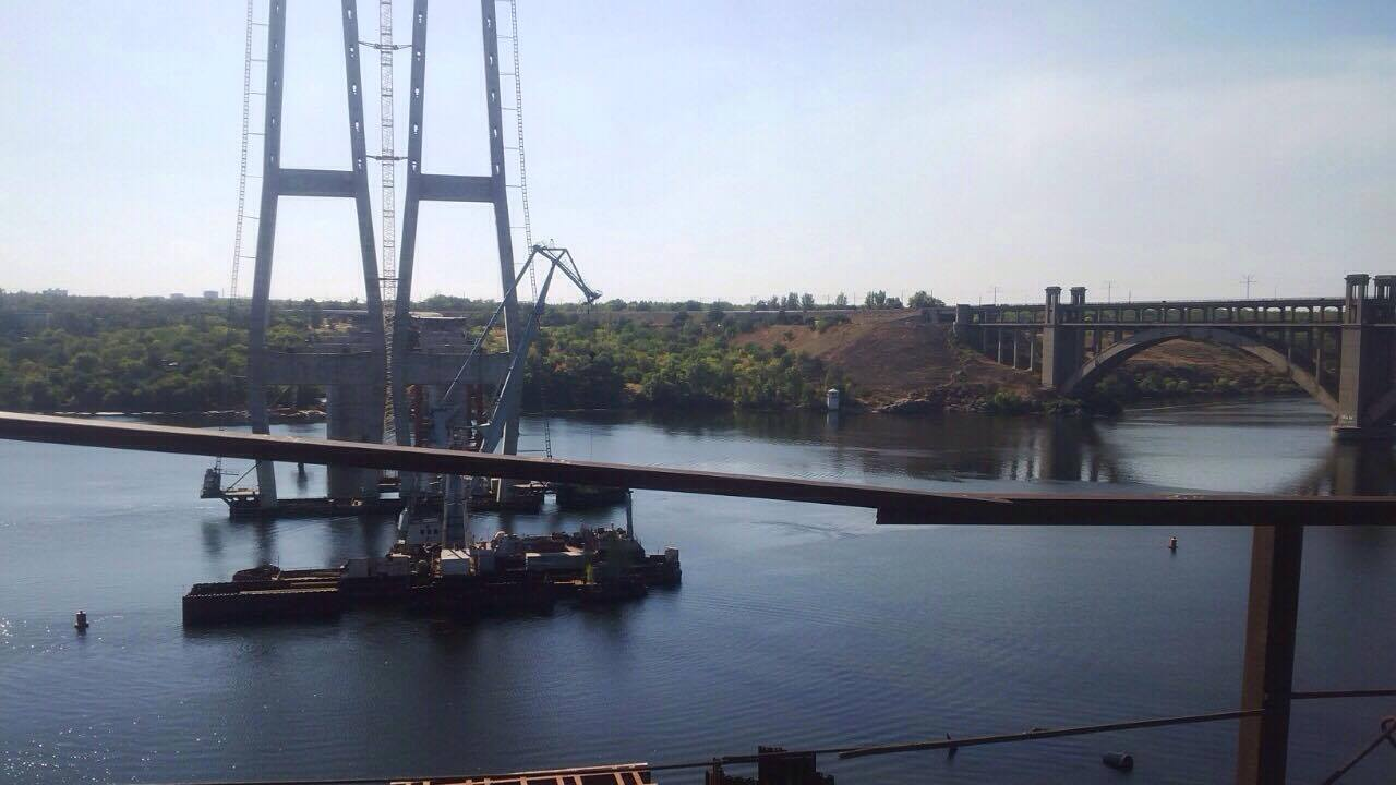 Строительство моста в Запорожской области