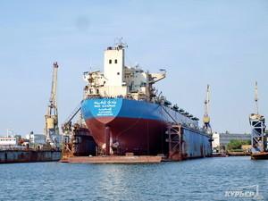Херсонский завод строит плавучий док нового поколения
