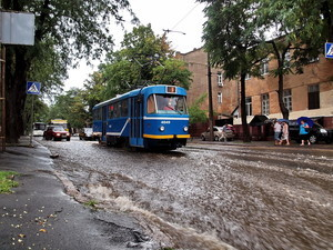 Дождь остановил маршруты одесских трамваев
