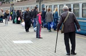 """""""Укрзализныця"""" не будет отменять пригородные поезда с 1 октября"""