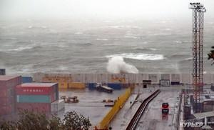 Как работают порты Одесской области в штормовых условиях