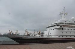 Судно длиной 206 метров зашло в Одессу сегодня утром (ФОТО)