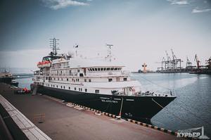 В Одессу вновь прибыл Island Sky