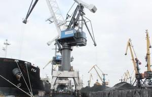 В порт Южный зашел балкер с 79 тыс. тонн антрацита из ЮАР