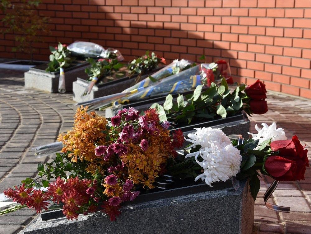 В Одессе появился памятник погибшим в АТО железнодорожникам