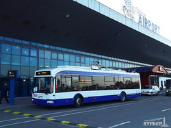 """В столице Молдовы испытывают """"автономный"""" троллейбус для маршрута в аэропорт"""