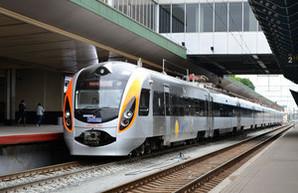 На новогодние праздники в одесском направлении будут курсировать 2 дополнительных поезда