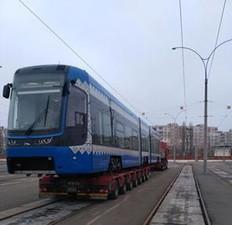 В Киев прибыл второй низкопольный трамвай из Польши (ФОТО)