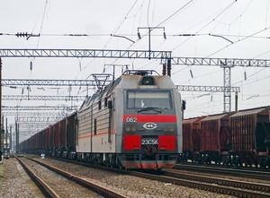 Коррупция на железной дороге наносит ущерб бюджету и приводит к задержке десятой части всех грузов