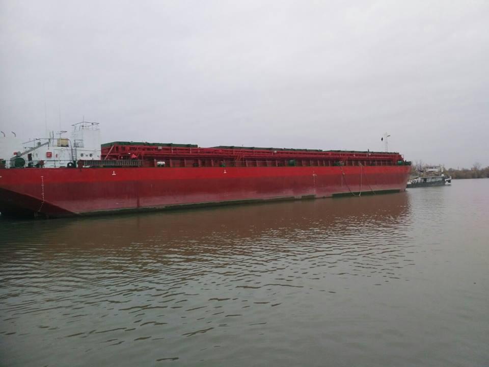 Впервые за последние годы 120-метровая баржа зашла на Килийский судоремонтный завод