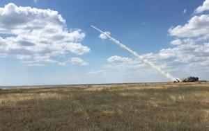 Украина начала учения: самолеты огибают воздушное пространство над Черным морем