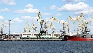 """Стивидорная компания """"Ольвия"""" впервые за 9 лет провела ремонтное черпание акватории порта"""