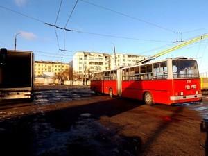 """В Белую Церковь поставлены 4 подержанных троллейбуса-""""гармошки"""" из Будапешта"""