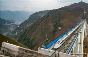 Сверхскоростная железная дорога рекордной длины начала работать в Китае (ВИДЕО)