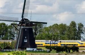 Для работы голландских электропоездов используется энергия, полученная от ветровых электростанций