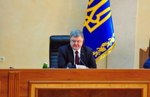"""Президент потребовал уже в этом году начать строительство новой """"взлетки"""" в Одесском аэропорту (ВИДЕО)"""