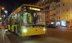 Киев вводит ночные маршруты троллейбусов от центра и вокзала в спальные район