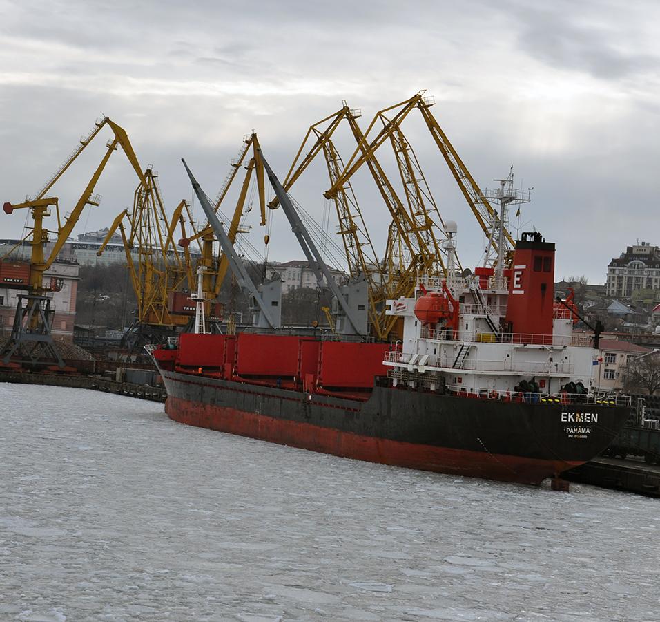 В Одесском порту объявлена ледовая кампания
