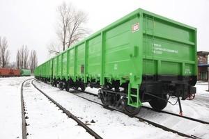 Укрзализныця закупает три тысячи грузовых полувагонов