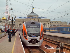"""Из Одессы во Львов и Днепр запустят скоростные поезда """"Интерсити"""""""
