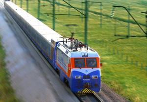 На железных дорогах Казахстана приступили к эксплуатации электропоездов переменного тока