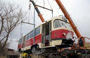 """В Мариуполь после тридцатилетнего перерыва вернулись трамваи """"Татра"""""""