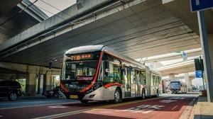 В Шанхае запустят трамвай на магистральной дороге и запретят проезд автомобилям