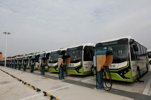 Китайские города массово переходят на электробусы